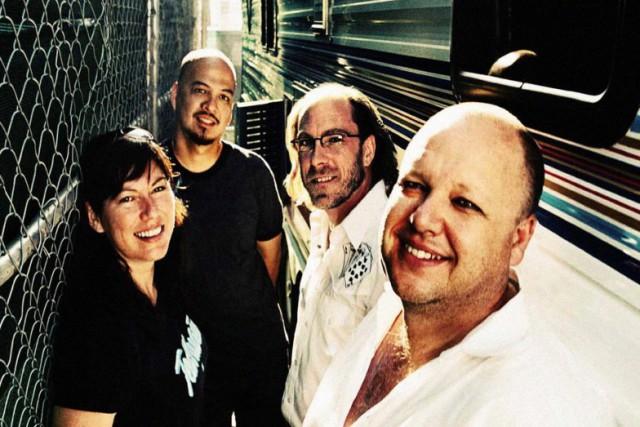 Pixies – Um Chagga Lagga